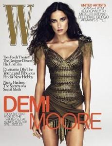 """Demi Moore jura de pés juntos que sua foto na capa da última edição da revista """"W"""" não sofreu nenhum tipo de """"retoque"""" no Photoshop."""