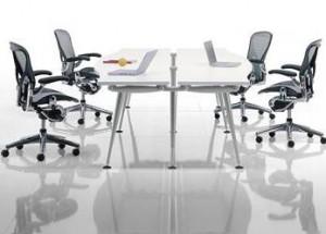 O mais novo lançamento da Herman Miller, o sistema Abak, possibilita mudar o layout do escritório ou até mesmo de casa.