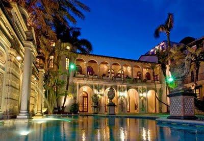A ex-mansão de Gianni Versace, a Casa Casuarina: portões fechados