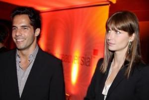 Durou pouco a volta de Ana Claudia Michels e Tato Malzoni. Os dois, que depois de se separarem em setembro reapareceram juntos um mês depois, terminaram o namoro mais uma vez.