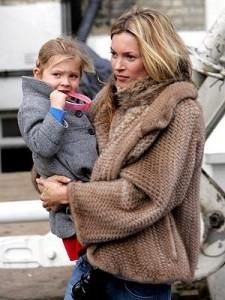 Kate Moss se muda para Paris.