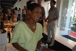 Quem passou pela Schutz em Ipanema, a caminho do aeroporto, foi Gloria Maria.