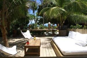 Glamurama já está devidamente instalado em seu Q.G. de verão, na pousada Jacaré do Brasil, em Trancoso.