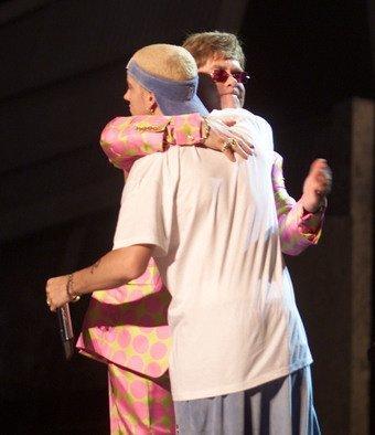 Elton John e Eminem: força