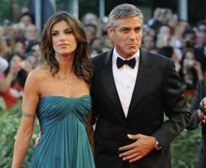Está mais do que bem o namoro de George Clooney com a italiana Elisabetta Canalis. Ele, que passou o Réveillon em Cabo San Lucas, no México, ao lado dela, nunca levou um relacionamento tão a sério.