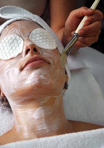 Muita gente acaba deixando este assunto passar batido, mas manter a pele limpa é assunto de extrema
