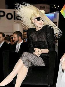 """Lady Gaga pode ser jurada da versão norte-americana do programa """"The X Factor""""."""
