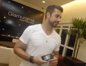 Fernando Torquatto contou ao Glamurama quais são as funcionalidades mais bacanas de seu novo celular Nokia.