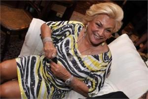 Lista de convidados para programa de Hebe tem Ivete Sangalo, Maria Rita, Julio Iglesias e até Roberto Carlos.