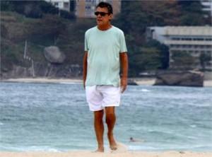 Avesso a entrevistas e aparições em público, Chico Buarque disse sim à produtora Mixer.