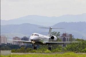 A brasileira Embraer acaba de lançar uma versão turbinada do conhecido modelo Legacy 600 com tanque maior e motores Rolls-Royce.