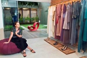 Estilista-xodó das cariocas festeiras, Marta Macedo inaugura sua nova loja hoje com get together só para convidados.