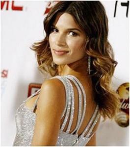 Raica Oliveira se esforça para encarar possível carreira na televisão.