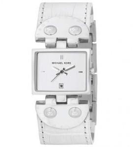 O designer Michael Kors lança novo modelo de relógio.