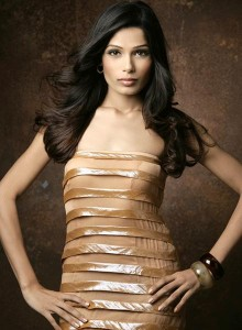 Freida Pinto será a próxima Bond Girl.