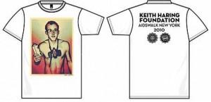 Shepard Fairey cria camiseta em homenagem a Keith Haring.