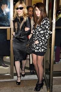 Madonna diz que a filha, Lola, é a grande responsável por linha de roupas para a Macy's.