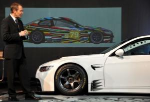 """Artista pop Jeff Koons customiza BMW para corrida de rua """"24 horas de Le Mans""""."""