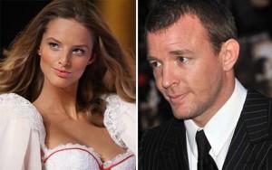 Guy Ritchie é visto com Angel da Victoria's Secret em Londres.