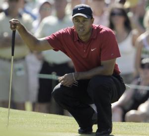 Tiger Woods volta a toda aos campos de golf.