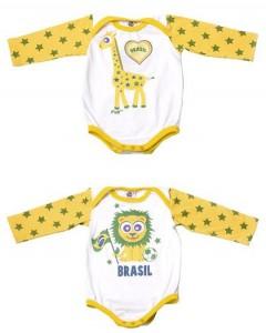 A Copa do Mundo está quase chegando. E, pensando nisso, a Ovo, marca de moda infantil, resolveu criar uma coleção para bebês toda inspirada neste universo do futebol.