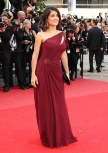 Gucci lança nova linha de alta-costura em Cannes.