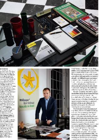 """Página da """"Wallpaper"""" com mesa de Tony Chambers na redação em São Paulo: material de consulta"""