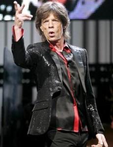 Mick Jagger diz que governo britânico deve legalizar a maconha.