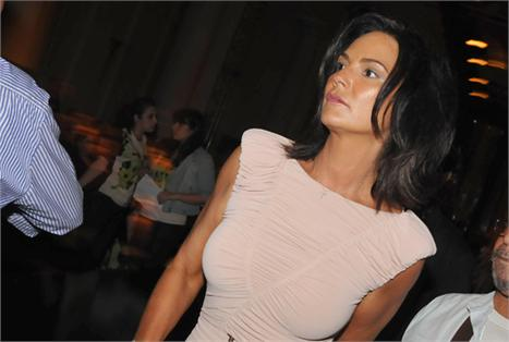 Luiza Brunet: cuidadosa