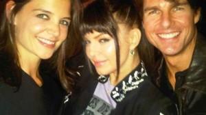 Tom Cruise canta em show do Black Eyed Peas.