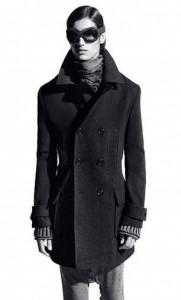 Trench-coat da Osklen é uma peça mais do que conceito para eles.