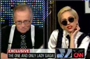 """Lady Gaga foi a convidada especial do programa """"Larry King Live"""", da CNN, nessa terça-feira, nos Estados Unidos."""