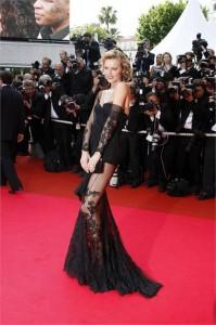 Eva Herzigova irá desfilar para Adriana Degreas na edição de verão 2010 da SPFW.