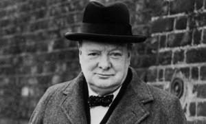 Coleção de objetos pessoais de Winston Churchill é leiloada por US$ 835 mil, em Londres.