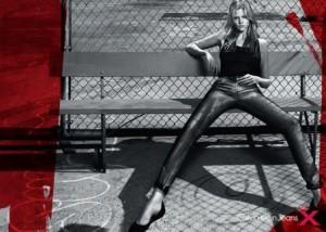 Lara Stone é o novo rosto da Calvin Klein.