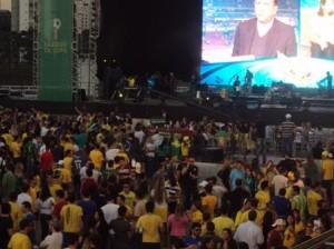 Depois da vitória brasileira diante do Chile, é tempo de festa no Parque da Copa, no Jockey Club