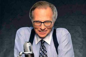 North-American presenter Larry King, who worked for 25 years on CNN, the TV station, announced this Tuesday he is going to step down from his talk show at the end of the year.