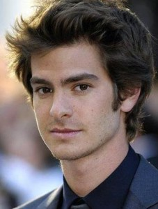 Columbia Pictures announced this Thursday that the chosen one to take Tobey Maguire's place was no one different than Andrew Garfield.