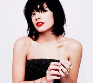 On this seesaw of put on/put off weight, Lily Allen has been having trouble buying clothes.