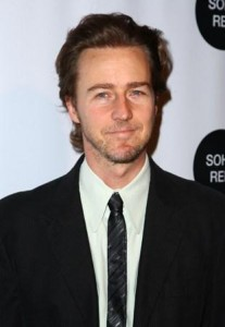 "O ator Edward Norton foi dispensado do elenco de ""Vingadores""."