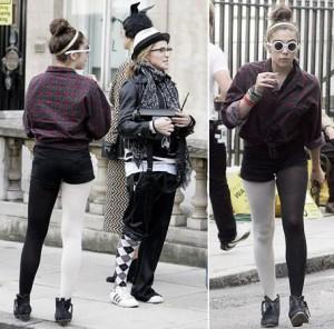 Será que deu a louca na família de Madonna? É que mãe e filha apareceram com o visual, no mínimo, peculiar…