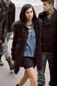 A DJ norte-americana estilosíssima Leigh Lezark é o novo rosto da DKNY Jeans.