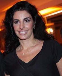 Antonia Frering a poucos passos dos palcos brasileiros.