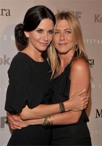 Jennifer Aniston será psiquiatra de Courteney Cox.