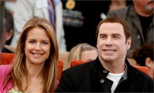 John Travolta e Kelly Preston vão ser pais de um menino.