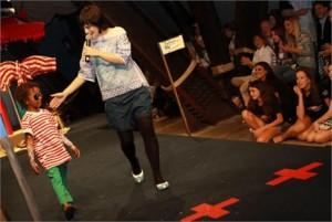 Ronaldo Fraga para Filhotes abre a segunda etapa dos desfiles do verão 2011 da Fashion Weekend Kids.