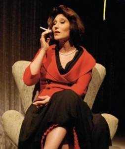 Beth Goulart encarna Clarice Lispector.