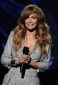 "Jennifer Lopez barra ex-marido de competir em ""American Idol""."