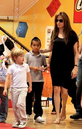 Angelina Jolie, Shiloh and Maddox: new home, for now