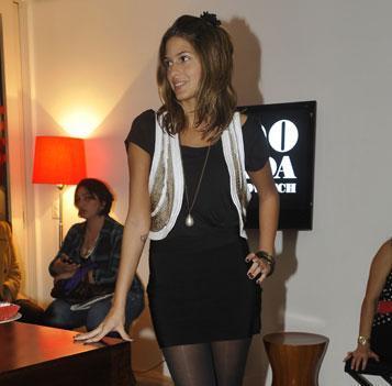 4874da308 Anna Fasano, Raphael Carneiro e Leo Quialheiro convidam uma turma ...